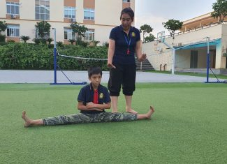 Xin cha mẹ hãy để con được vấp ngã để … trưởng thành